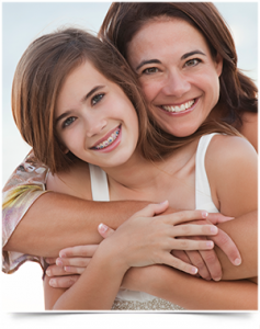 momanddaughter_brunette_braces_teeth_01