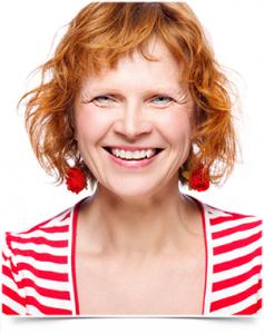 woman_redhead_teeth_01